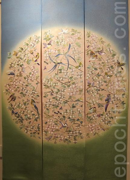 「天女的旋律」人的靈魂隨著天女的旋律前往遠方,然後在星空中閃爍著。(鍾元翻攝/大紀元)