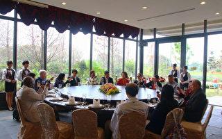 駐華使節訪國際蘭展 華味香嘗台南小吃