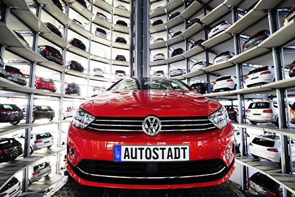 組圖:德國大眾汽車如此停車 自動立體化