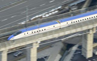 日本北陸新幹線的長野站到金澤站(228公里)今天通車,東京到金澤只要2小時28分就可抵達。日本首都圈與北陸地區往來時間縮短,將帶動觀光、提高商機。(共同社提供)