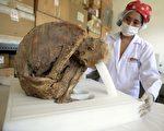 秘魯出土幾十具千年木乃伊 包括1具嬰兒