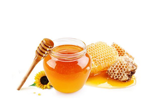 蜂蜜水。(Fotolia)