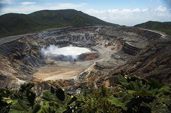 聖荷西,哥斯達黎加(San Jose, Costa Rica)。圖為波阿斯火山國家公園火山。(Ezequiel BECERRA/AFP)