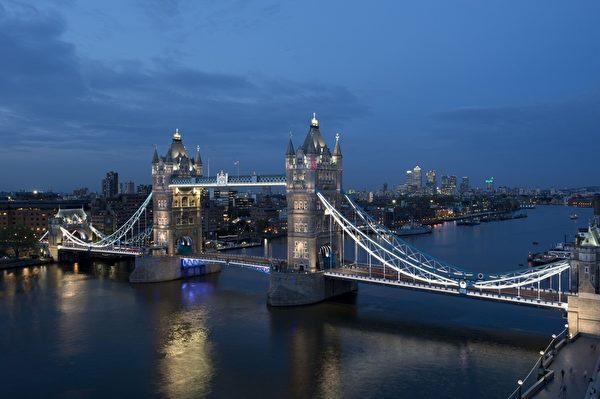 伦敦塔桥(MIGUEL MEDINA/AFP/Getty Images)