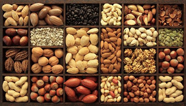 加州是农业大州、也是全美几种顶级坚果的几乎唯一的生产地。图为各种坚果。(fotolia)