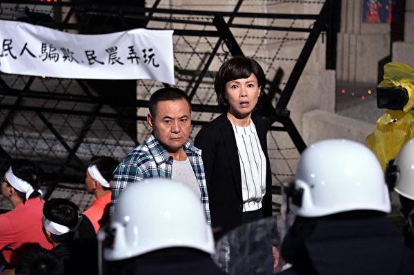 蔡振南、柯淑勤结盟为农民发声。(TVBS提供)