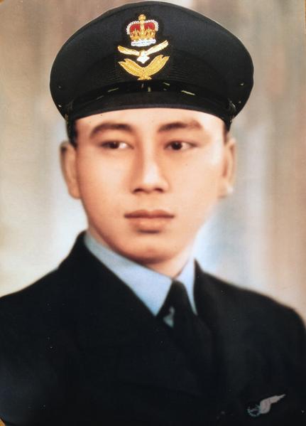 Thomas Cheong先生年轻参战时的照片。(照片由Thomas Cheong提供)