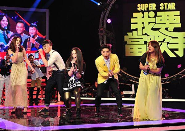 蔡旻佑白队表演。(台视提供)