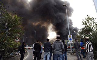 巴黎中商庫房失火 交通一度受阻
