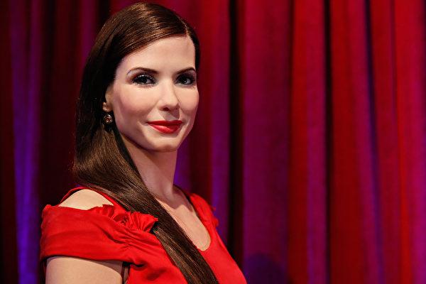获选最美丽女人 珊卓布拉克:蛮可笑的