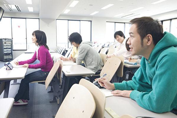 新一代中國學生出身於更富裕家庭,到日本留學的期望也大。許多人由父母資助,不需要兼職度日。(fotolia)