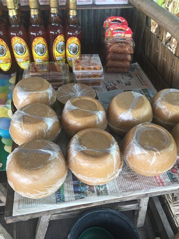 各式各样的椰子制品。(图:信男国际贸易提供)