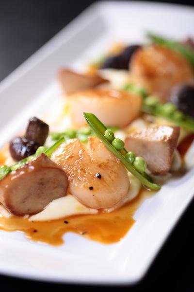 蘑菇干貝佐黑松露馬鈴薯泥(晶華酒店提供)