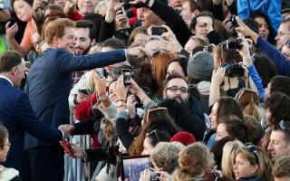 英哈利王子抵新西兰 展开一周访问行程