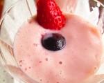 香蕉草莓豆浆奶昔(家和/大纪元)