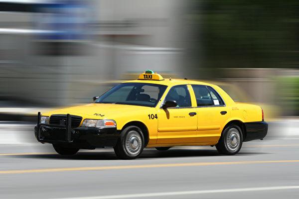 坐出租車,一般應支付總價的15%。(Fotolia)