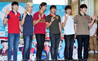 2PM首尔开唱 回归韩国乐坛