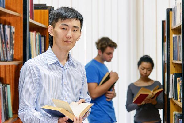 中國學生認為,美國的學術氛圍非常自由,大一大二不強制定專業,轉專業也很方便,學生可以有機會上自己想上的課,開發自己的興趣點,發現自己真正喜歡的東西。(fotolia)