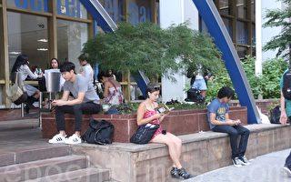 中國學生熱衷美國高考 富人子女多