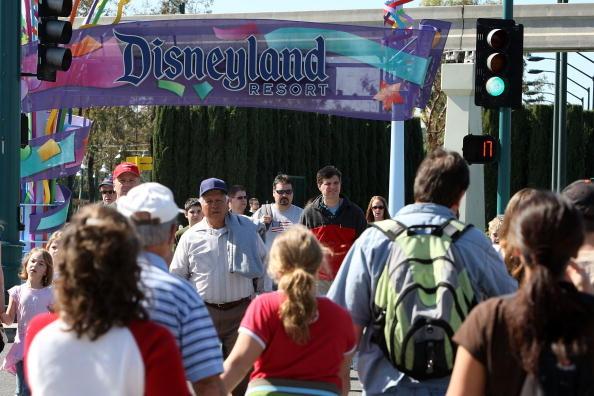 圖為加州迪士尼樂園。(David McNew/Getty Images)