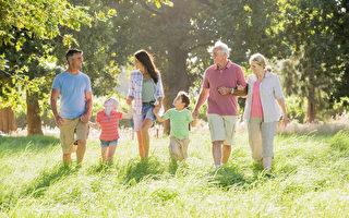 充满爱的家庭 孩子更自信有安全感