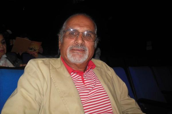 摄影师、出版商Dagoberto Farías先生观看了美国神韵舞剧团在墨西哥墨首都西哥城文化中心剧院第6场演出。(李辰/大纪元)