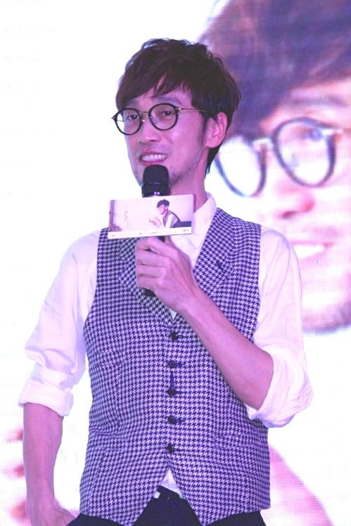 周傳雄在北京現身記者會。(一起娛樂提供)