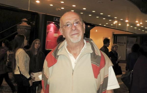 Ricardo Santiago先生于6月7日下午观看了神韵舞剧团的《西游记》舞剧。(林南/大纪元)