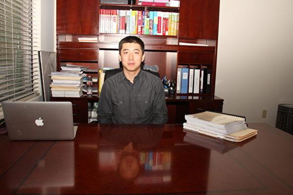 易通教育中心创办人王百庆博士。(马天祥/大纪元)