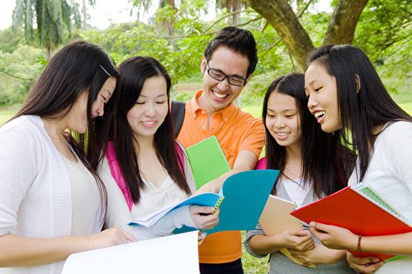 美國大學認可的兩類出色課外活動