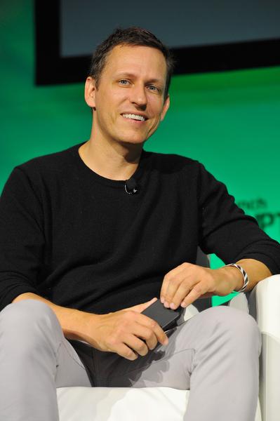 泰爾獎學金冠名推動者彼得‧泰爾身價 22 億美元,是Paypal共同創始人,該獎學金旨在給有潛力的青年做出突破性創新的機會,前提是受獎者必須輟學才能進入這個計劃。(Photo by Steve Jennings/Getty Images for TechCrunch)