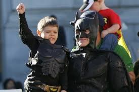 《小蝙蝠俠出擊》 為白血病童圓夢