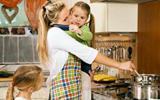 美智库:家长工时不固定 孩子受伤害大
