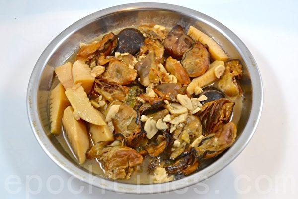 【梁廚美食】 髮菜蠔豉燜豬手