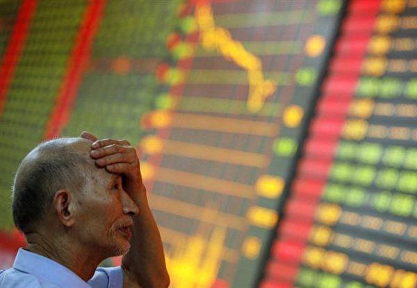 章家敦主張,中國股市必然再度全面崩潰,而且會比上次還要難看。(AFP)