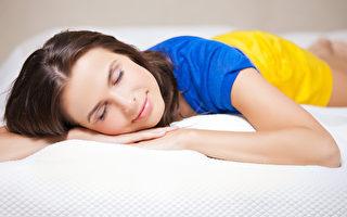 警惕!睡覺時這5種行爲是危險信號