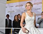 25岁的奥斯卡影后詹妮弗‧劳伦斯是一年来收入最高的女星。(Kevin Winter/Getty Images)