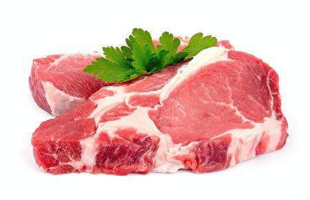 用草料餵養的牛精肉、雞肉不但易消化,還富含蛋白質。(Fotolia)