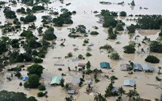 组图:南亚多国暴雨成灾300人亡 百万人流离失所