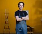 Justin Godar是一位专注于设计和制造家具的设计师,拥有自我品牌Godar Furniture。(许心如/大纪元)