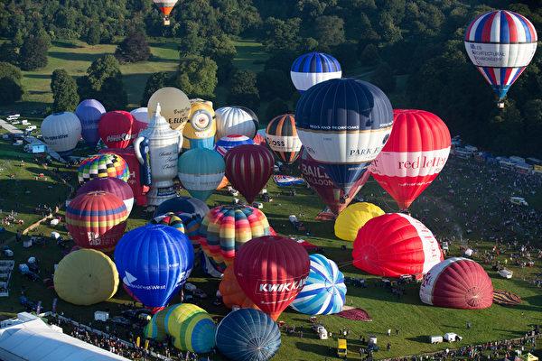 第36屆布里斯托國際熱氣球節8月7日到8月10日在英國布里斯托舉行,該活動是歐洲最大的熱氣球節。(Matt Cardy/Getty Images)