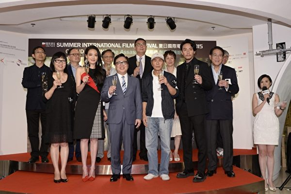导演侯孝贤携同女主角舒淇及男主角张震出席活动。(中影提供)