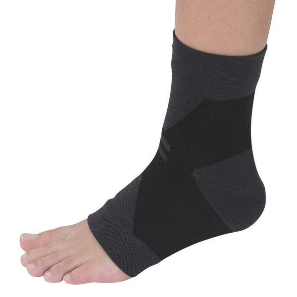 日本專業護具,萬特力護踝。(Vantelin提供)