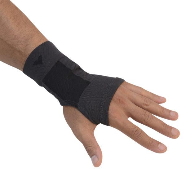 日本專業護具,萬特力護腕。(Vantelin提供)