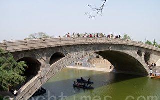 愛煞家鄉古文化 農民手造迷你趙州橋