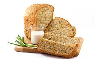 喝牛奶有3個黃金時間,讓營養吸收效果更好。(Fotolia)