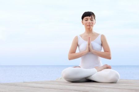 靜坐是一門用心追尋的領域,別僅止於頭腦的探索。(fotolia)