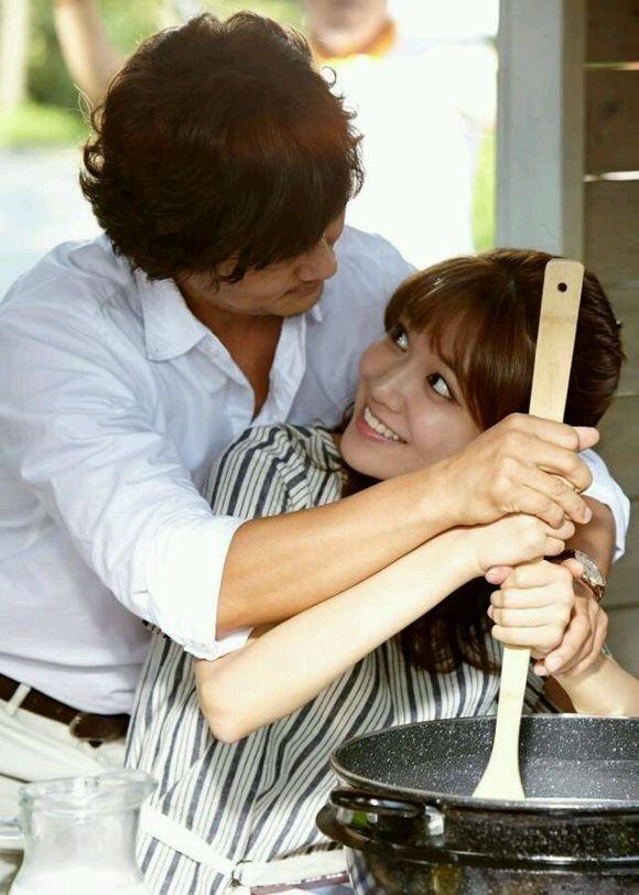 甘宇成與秀英在劇中談情說愛。(緯來戲劇台提供)