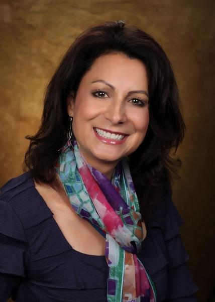 美国心灵作家黛比‧吉森尼(Debbie Gisonni)曾在自传体小书《生命课》中记述自己对远方亲人的感应。(黛比‧吉森尼提供)