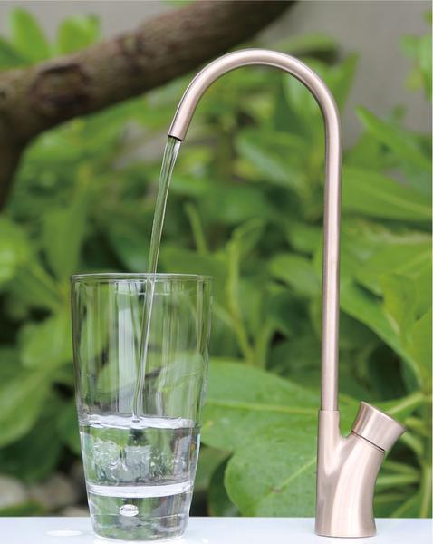 「巧時代」抑菌銅飲水機水龍頭適用於醫院、學校等公共空間,是重視飲水安全的消費者之最佳選擇。(圖:「巧時代JUSTIME」提供)